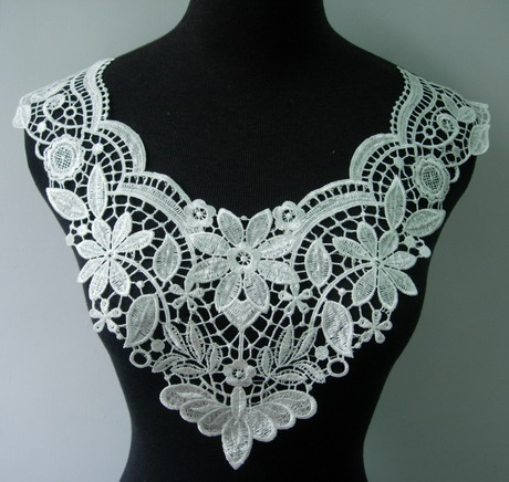 VK241 Floral Collar Neckline Lace Venise Venice Applique Cream