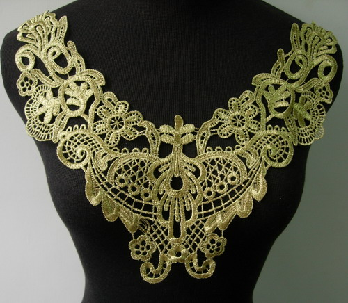 VK247 Victorian Style Collar Metallic Gold Trim Venise Applique