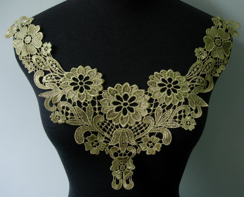 VK255 Classic Floral Collar Yoke Metallic Gold Trim Applique