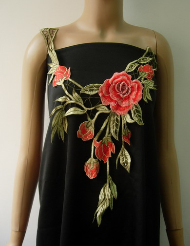 VK421 Red-tone Leaves Roses Collar Front Lace Venise Applique