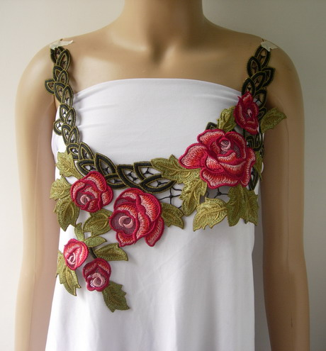 VK431 Trendy Maroon Rose Collar Neck Lace Venise Applique