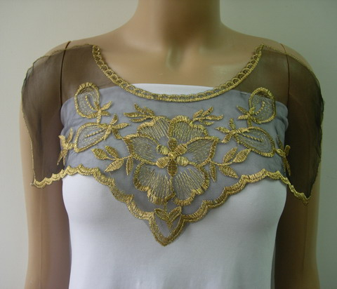 VK435 Floral Collar Front Trimming Tulle Applique Brass-gold