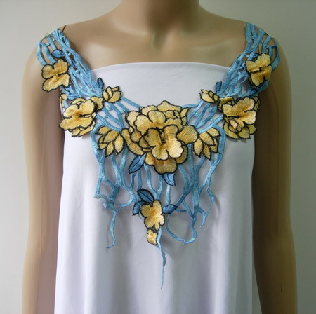 VK452 Yellow-Tone Tier Floral Collar Neck Lace Venise Applique