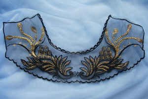 VK478 Peacock Tail Neckline Metallic Trim Net Applique Black Gold