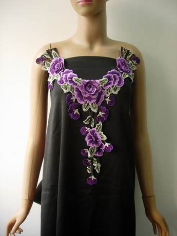 VK540 Tier Floral Collar Front Neck Lace Venise Applique Purple