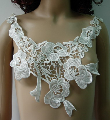 VK63 Rose Floral Collar Neckline Venice Venise Applique Cream