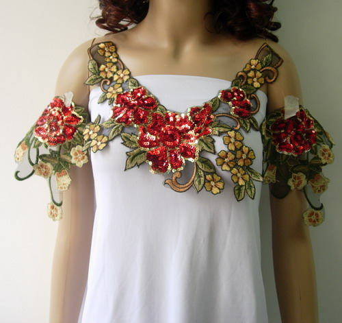VN150 Red Floral Leaf Neck Epaulette Sequined Applique Set